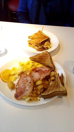 Port Elgin, كندا: A good breakfast!