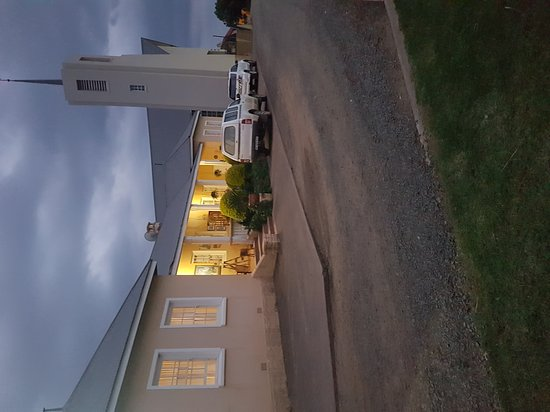 Paulpietersburg, South Africa: Fels Retreat at night