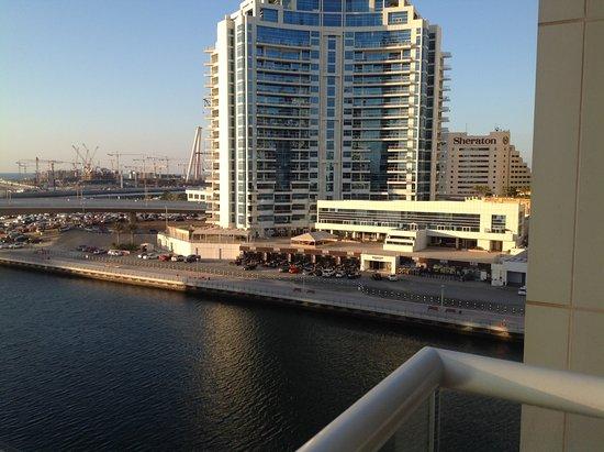 Pearl Marina Hotel Apartments: Вид с балкона