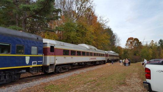 Winnipesaukee Scenic Railroad: Silver cars are coach fare
