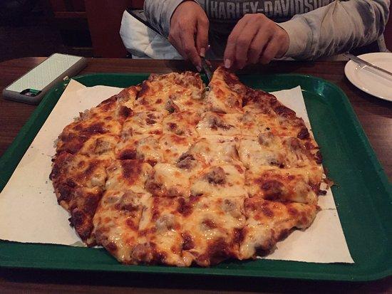 Red's Savoy Pizza: photo0.jpg