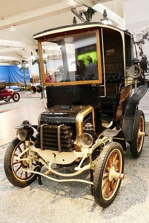 vieille voiture photo de cit de l 39 automobile mulhouse tripadvisor. Black Bedroom Furniture Sets. Home Design Ideas