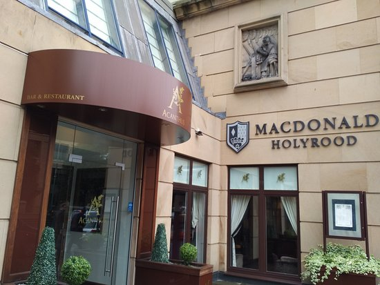 Macdonald Holyrood Hotel: Hotel entrance