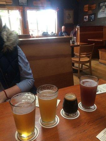 Bill's Tavern & Brewhouse: photo0.jpg