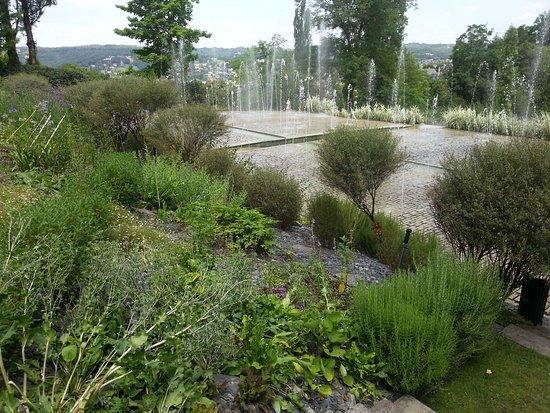 Les jardins de l 39 imaginaire photo de les jardins de l 39 imaginaire terrasson lavilledieu - Les jardins de l imaginaire a terrasson ...