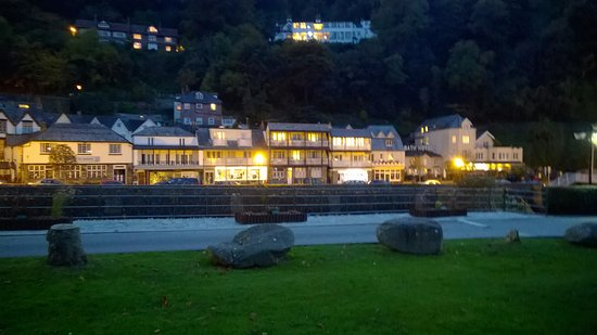 Riverside Cottage: Lynmouth Central (Riverside in the middle)