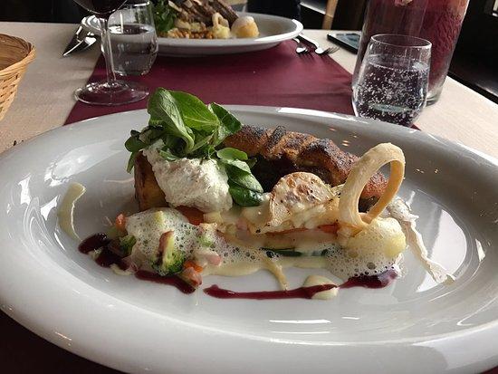 Probably not in top 3 restaurante in Brașov area, but in top 10...