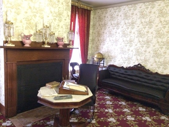 Mary Todd Liked Black Furniture Picture Of Lincoln Home
