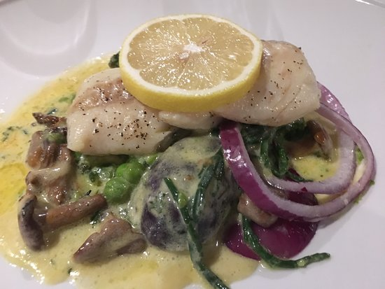 Beeley, UK: cod with potatoes and butter sauce