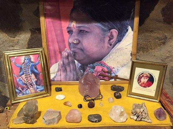Mahadevi Ashram: shrine in kitchen