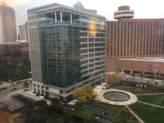 The Westin Indianapolis: Views from my room on the 13th Floor.