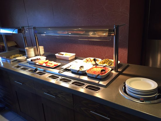 Premier Inn London Hanger Lane Hotel: Limited Availability of Breakfast Items.