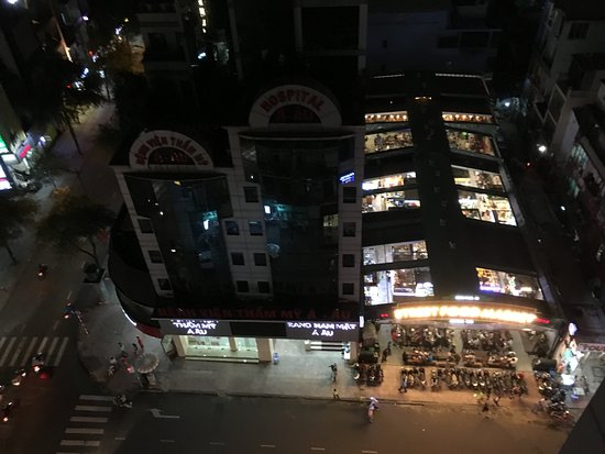 V Explore Travel Hcmc Hotel Silverland Overlooking The Ben Thanh Night Market