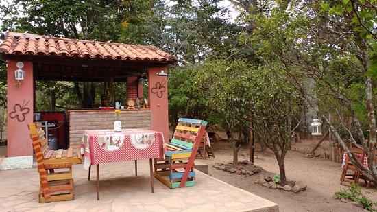 Bistro das Meninas: Local aconchegante em meio a natureza, comida caseira, música de boa qualidade.