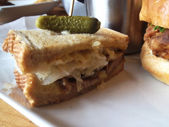 Tapenade Bistro : Duck Reuben with pickled cabbage and and pickle
