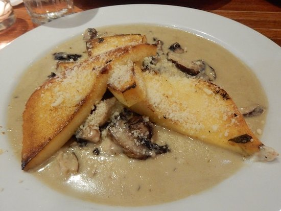 Bronxville, Estado de Nueva York: Grilled polenta with mushrooms