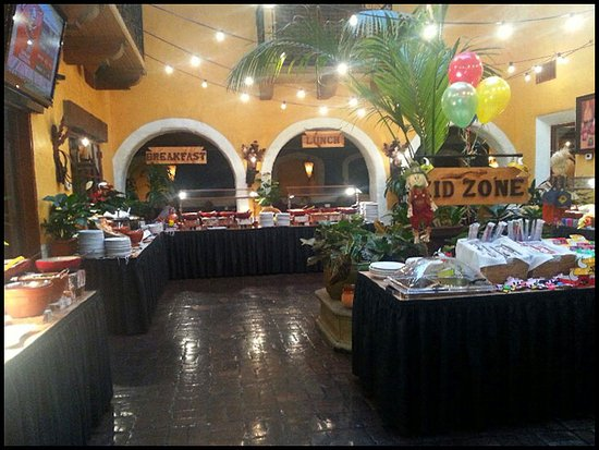 very large sunday brunch buffet area tons of choices picture of rh tripadvisor com el torito buffet woodland hills el torito buffet woodland hills