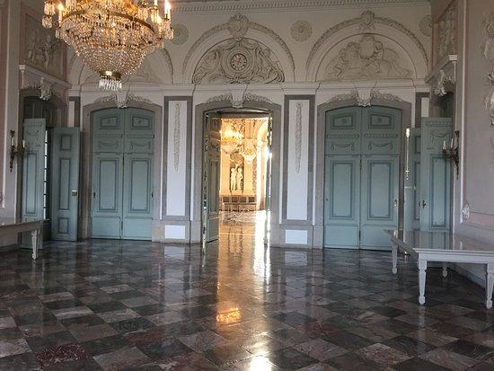 Schloss Benrath: Eingangsbereich