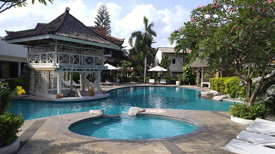 ANANDA RESORT: pool