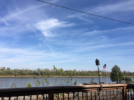 Washington, MO: view of the river
