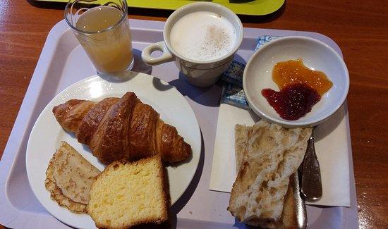 Pithiviers, Frankrijk: petit déjeuner