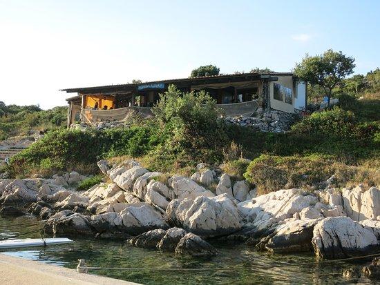 Kaprije, Chorwacja: Der erste Eindruck vom Meer aus.