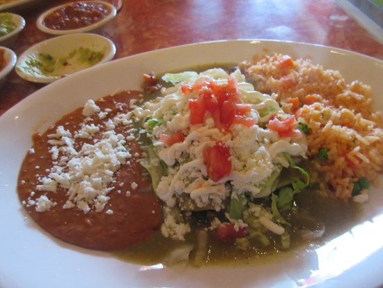 East Wenatchee, WA: Enchiladas de Espinacas - spinach and mushrooms covered with green sauce and queso fresco