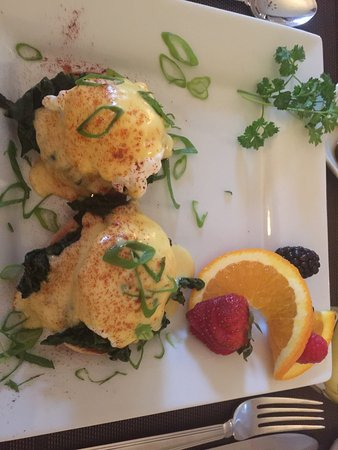 Turtle Island Bed and Breakfast: Scrumptious breakfast!