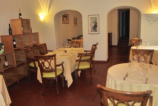San Lino: A small parat of the dining area.