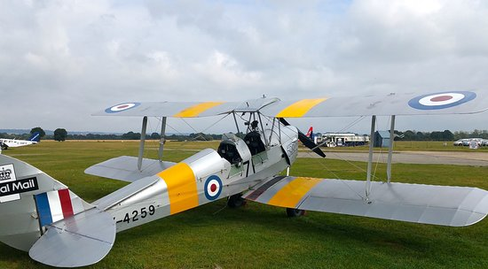 Headcorn, UK: The plane I went up in. Brilliant fun!