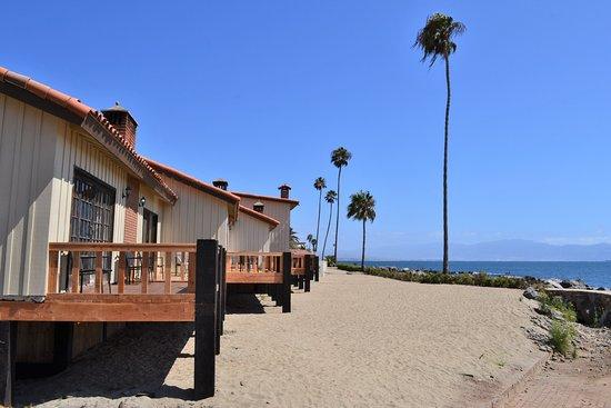 Quintas Papagayo: Ocean front cabins (King rooms)
