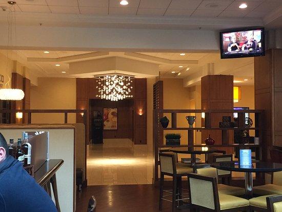200 west Lounge: photo1.jpg