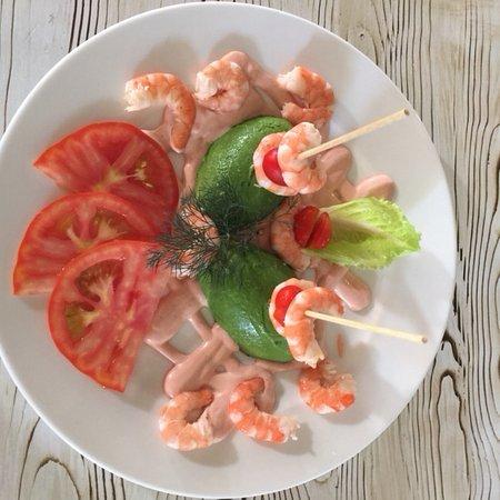 Restaurante Grill El Cenador : Ensalada de aguacate con Gambon