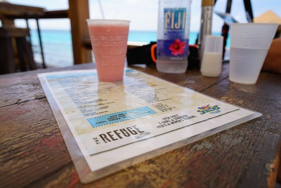 Sunset Bar & Grill: Frozen drink and menu