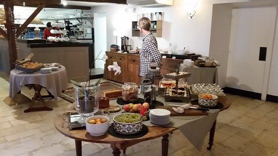 Hotel La Villa Romaine : Breakfast