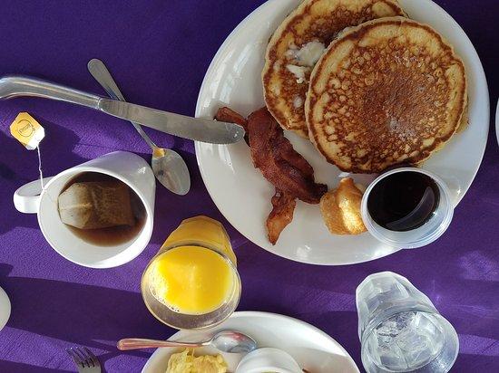 Balsam Mountain Inn Dining: 20161029_090744_large.jpg