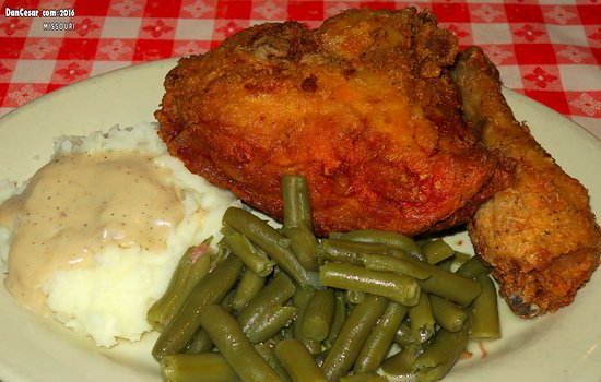Independence, MO: Chicken Breast, leg, mashed potatoes and green beans.