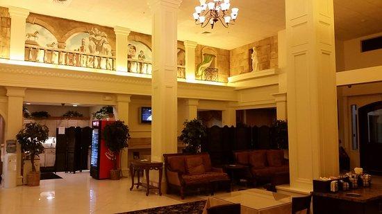 North Stonington, CT: front lobby