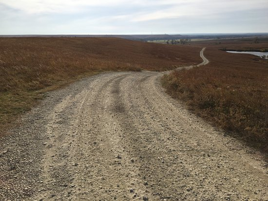 Strong City, KS: Rocky road to the scenic overlook