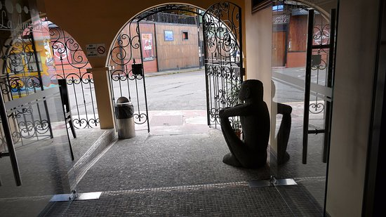 Hotel La Amistad: front door from inside out