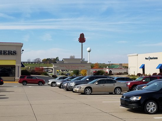 Tanger Outlets: 20161029_123607_large.jpg