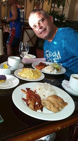 Waterfront Insular Hotel Davao: The amount of choices to eat was astounding. We loved it.