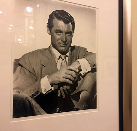 Warwick New York: Cary Grant lived in this hotel for 12 years.