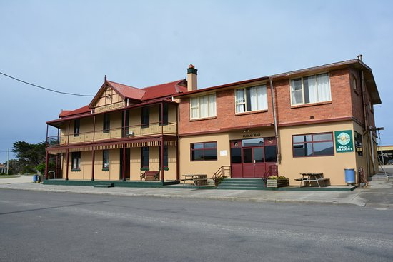 Interstate Hotel in Whitemark, Flinders Island