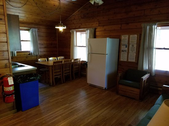 Raccoon Creek State Park Kitchen Living Room Area