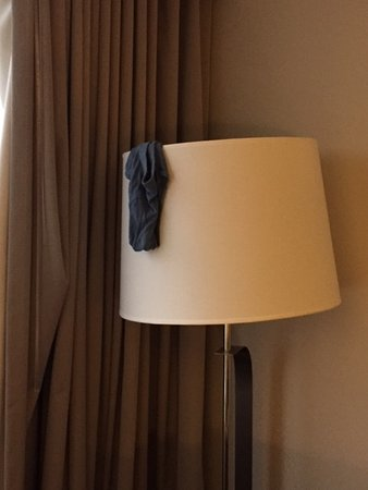 PULLMAN Miami Airport hotel: Underpant above lamp shades