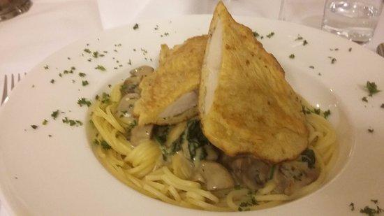 Raesfeld, Deutschland: tagliatelli / schiken /spinat /champignon