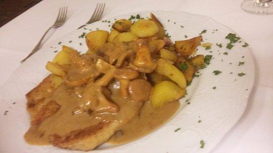 Raesfeld, Deutschland: schnitzel /champignon /kartoffeln