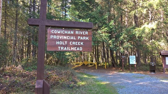 Lake Cowichan, Canadá: The Holt Creek trail head sign
