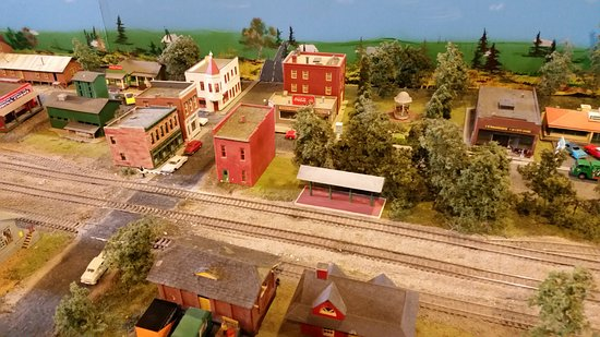 Brunswick, MD: model train